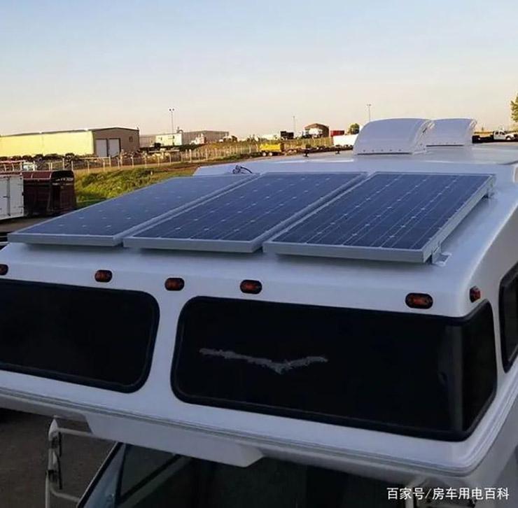 房车太阳能一天能发多少度电?