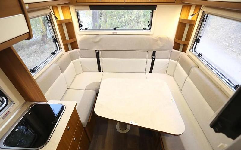 售价28.88万,能越野的四驱房车,1室1厅能住一家3口