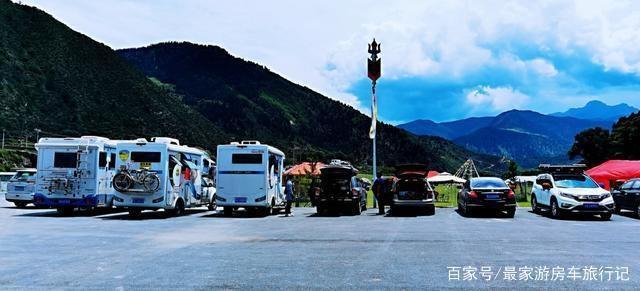 房车旅行到迭部走了个思,在甘肃白龙江畔享受几家人的欢乐