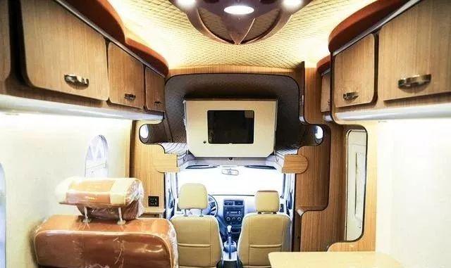 想住在童话般城堡一样的房车,只需要12.8万元