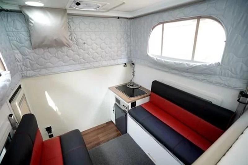 越野房车完全可以成为家庭用户、办公室白领的临时休息室