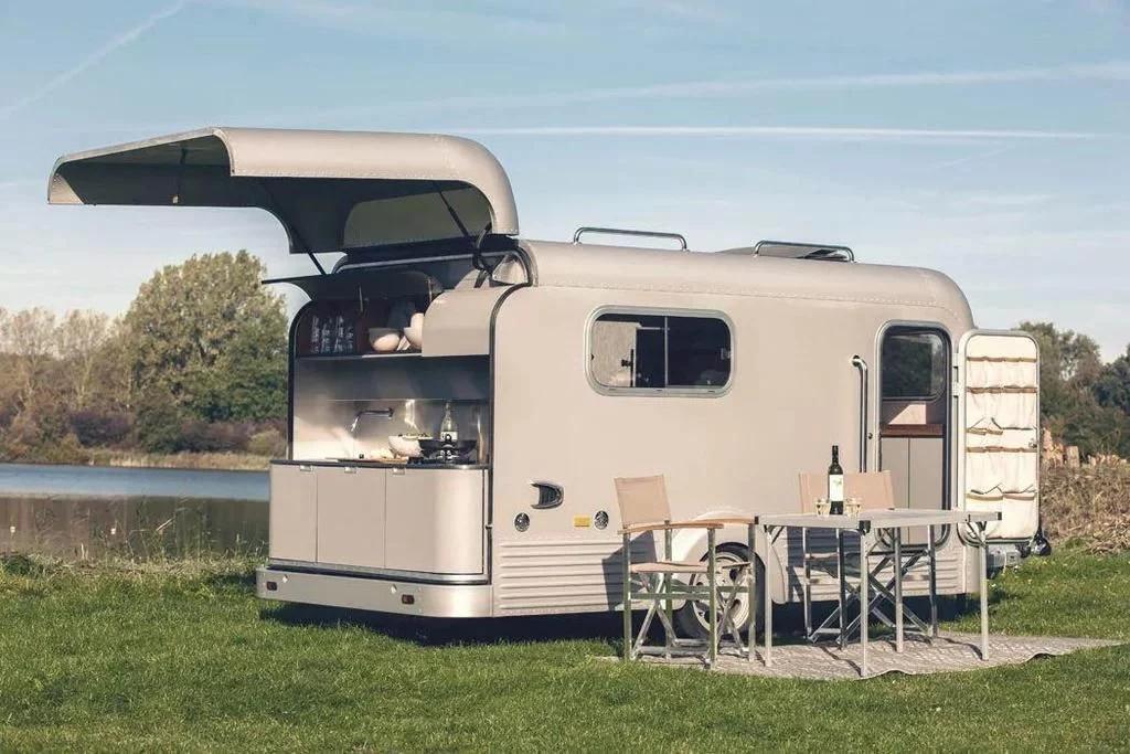 豪华的清风房车,配有全套厨房,可伸缩的屋顶晚上还能看星星
