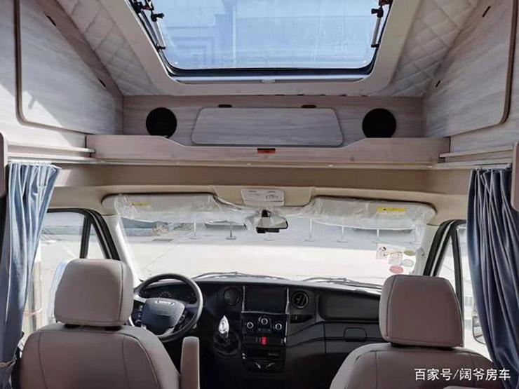 """带 """"吊床""""的小额头房车,为旅行带来舒适的生活体验"""