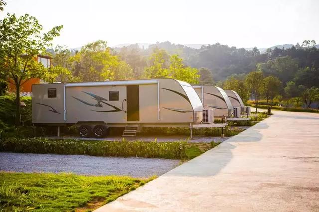房车去哪儿?西山泉汽车(房车)露营地,时尚休闲第二个家